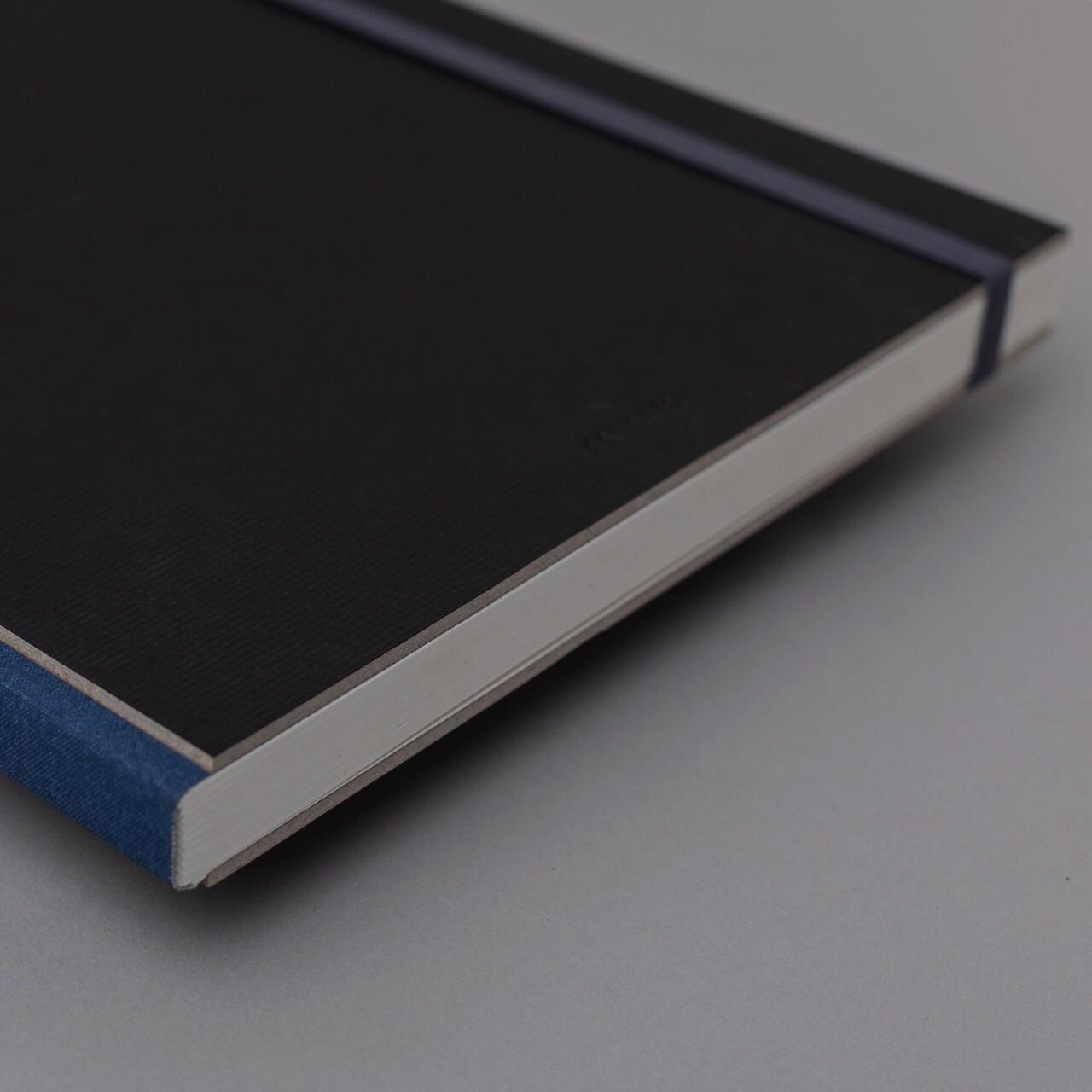 Скетчбук для графики в твёрдой обложке Falafel Black A4