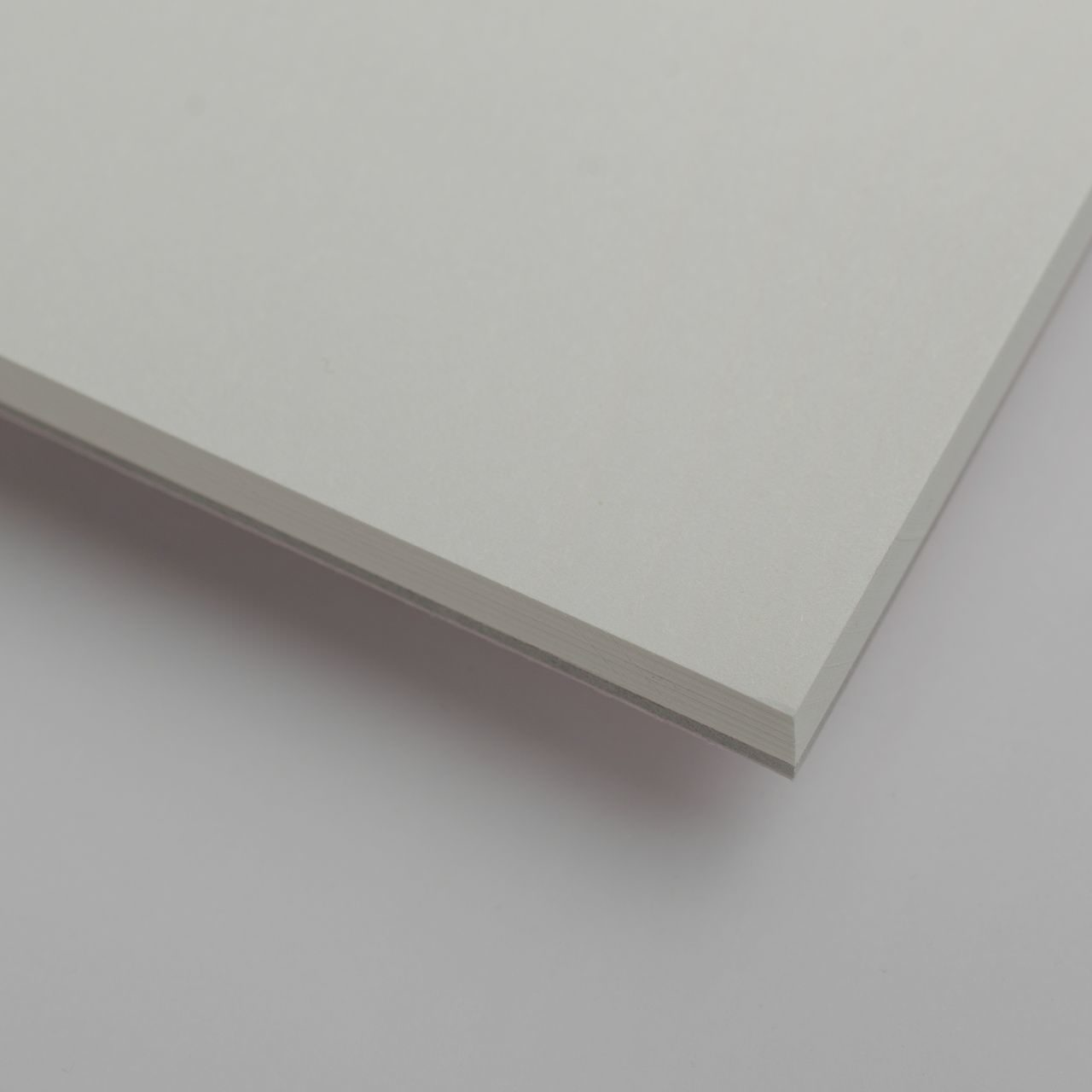 A4 Чёрный скетчпэд с перфорацией Falafel books Sketchpad Black A4