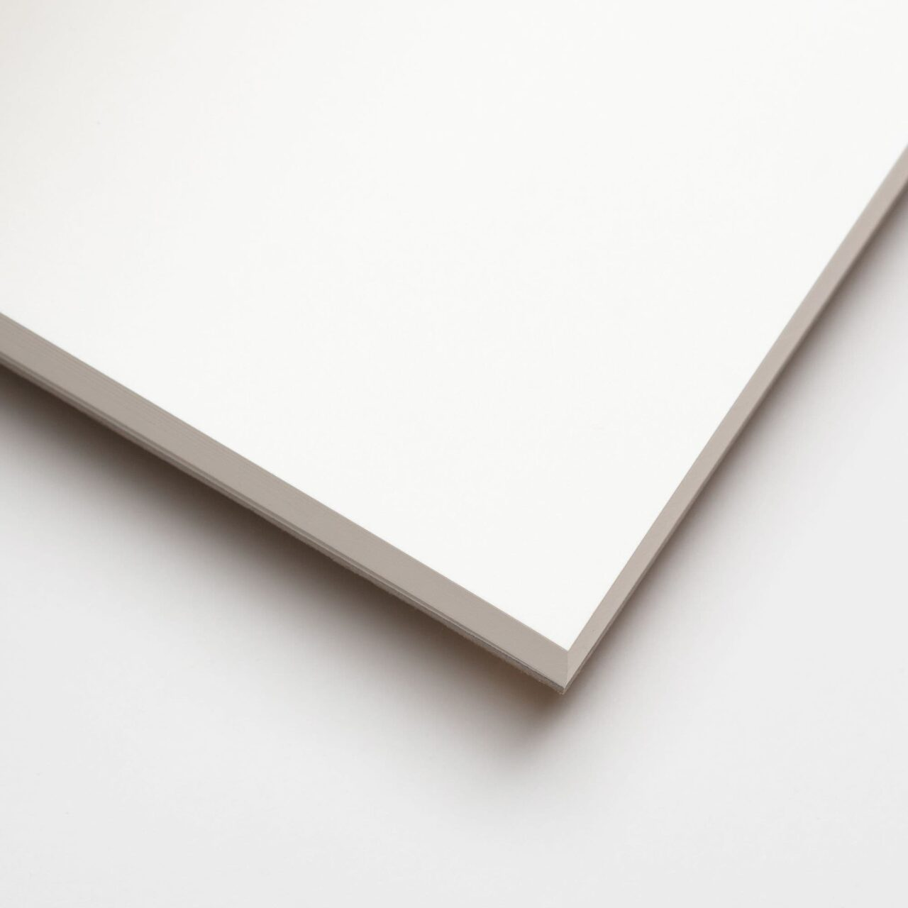 Скетчбук для графики и маркеров в твёрдой обложке A5, 60 л., 160 г/м²
